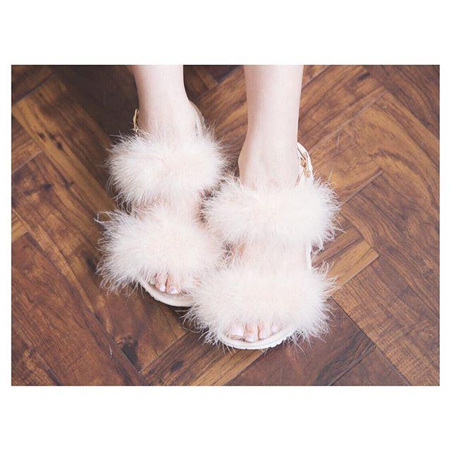 fur-sandals