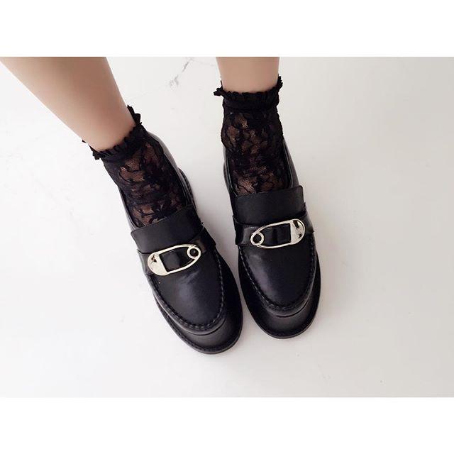 lace-socks